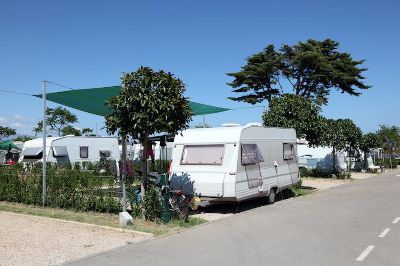 Shutterstock 204417988 in Camping in Coronazeiten: Mit diesen Einschränkungen müssen Sie rechnen