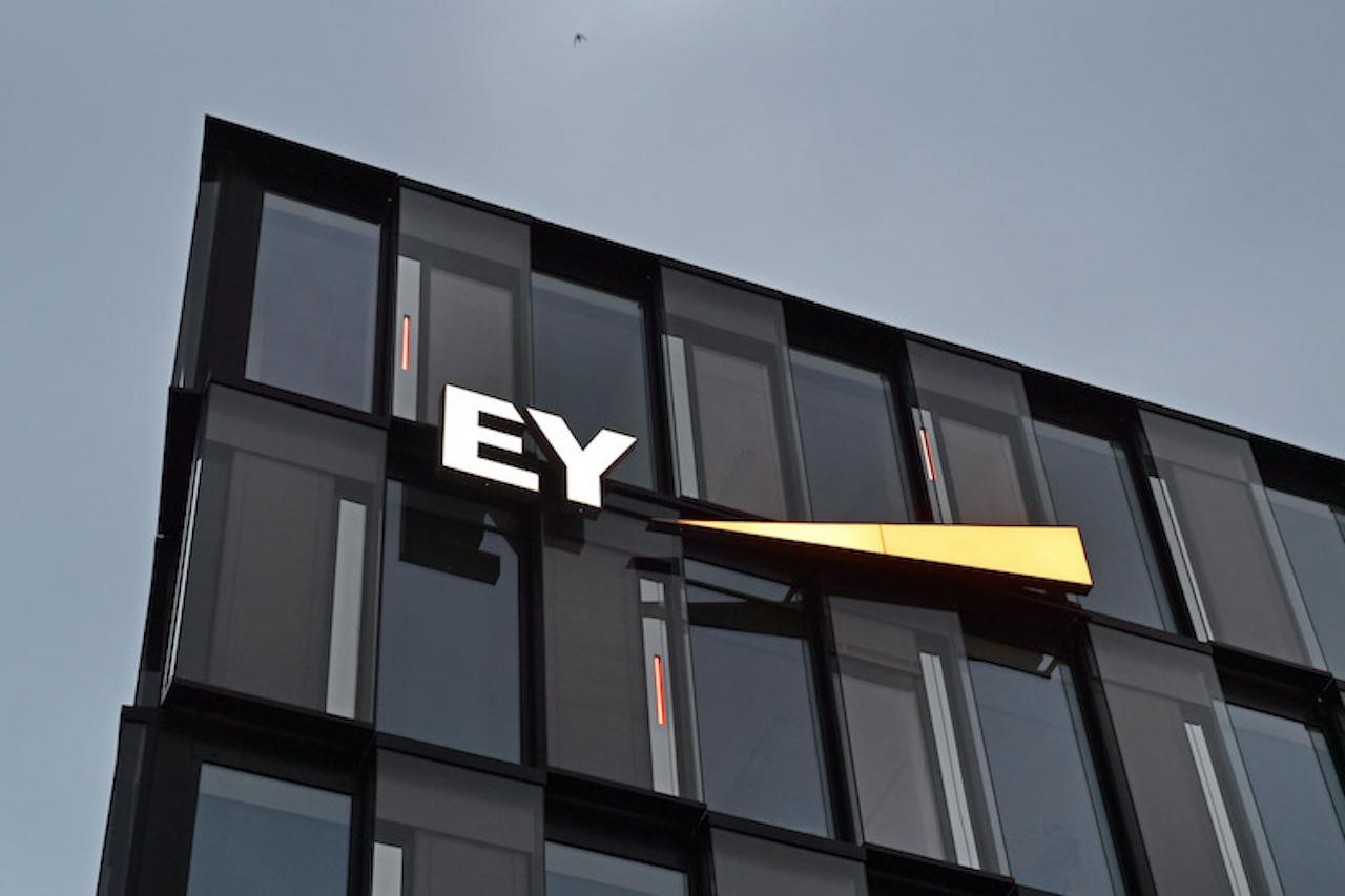 220435900 in Wirecard-Skandal: SPD-Politikerin stellt Aufträge für EY infrage