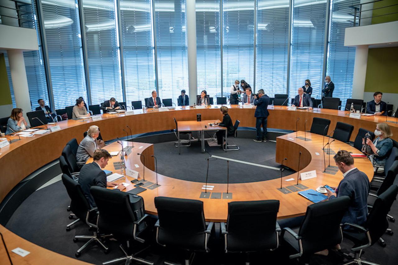 220775040 in Finanzausschuss will zweitägige Sondersitzung zu Wirecard-Skandal