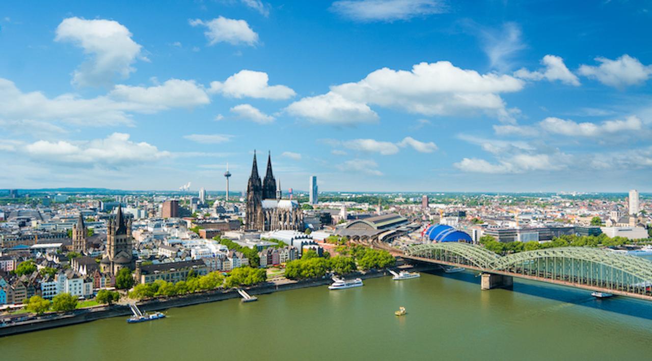 Shutterstock 1010593768 in Wohnen in Rhein-Main-Gebiet immer kostspieliger