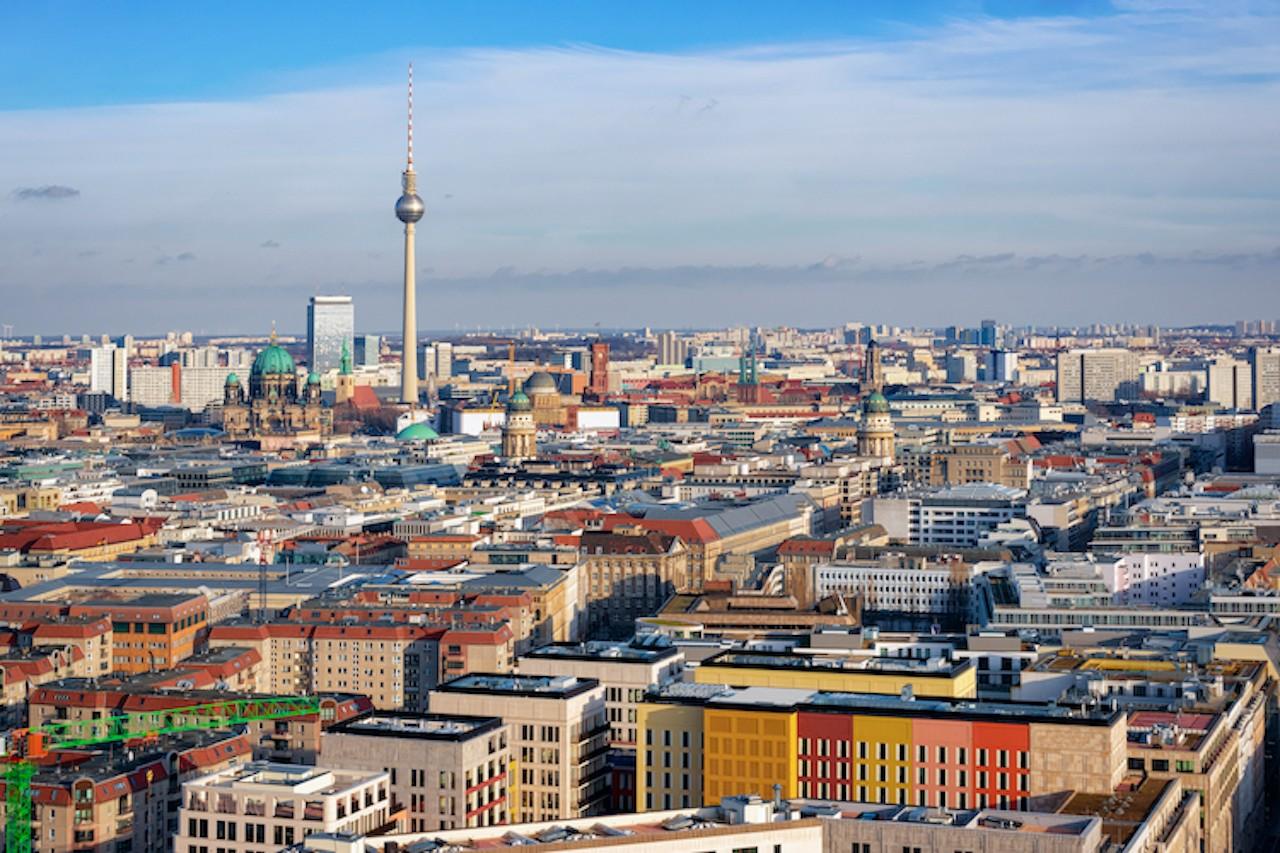 Shutterstock 1418289131 in Studie: Berliner Mieten sinken