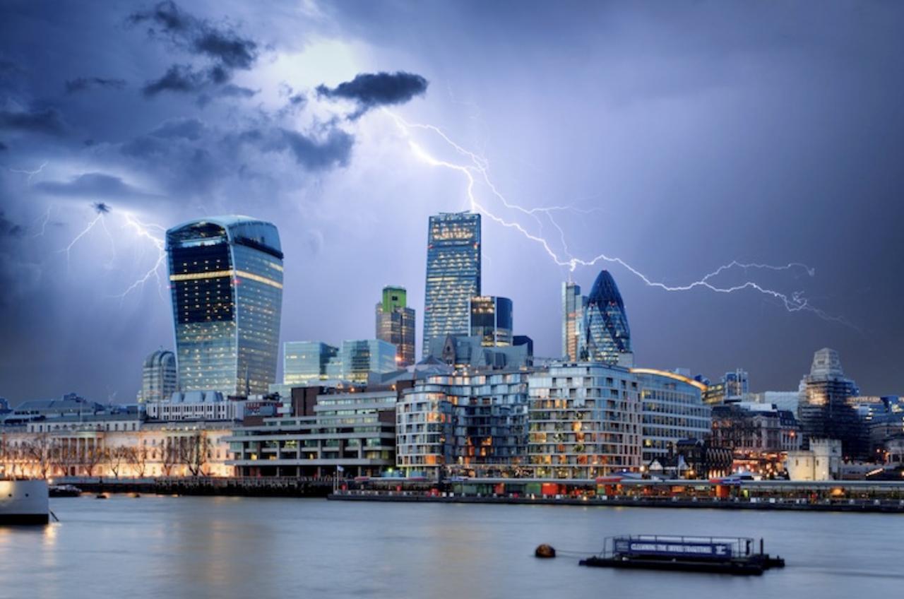 Schweres Gewitter über London