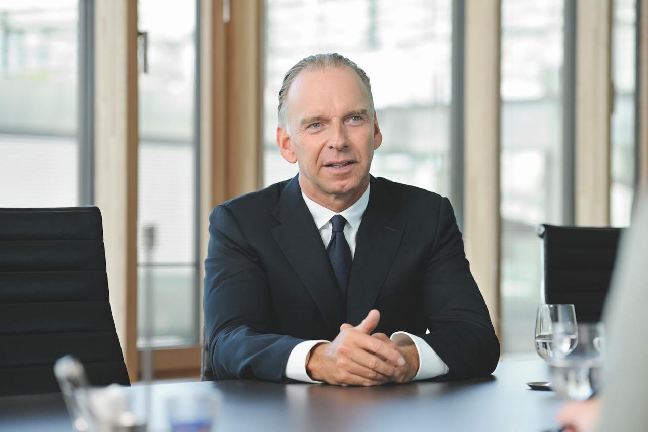 Portraitfoto von Wolfgang Hanssmann, Vertriebsvorstand von HDI