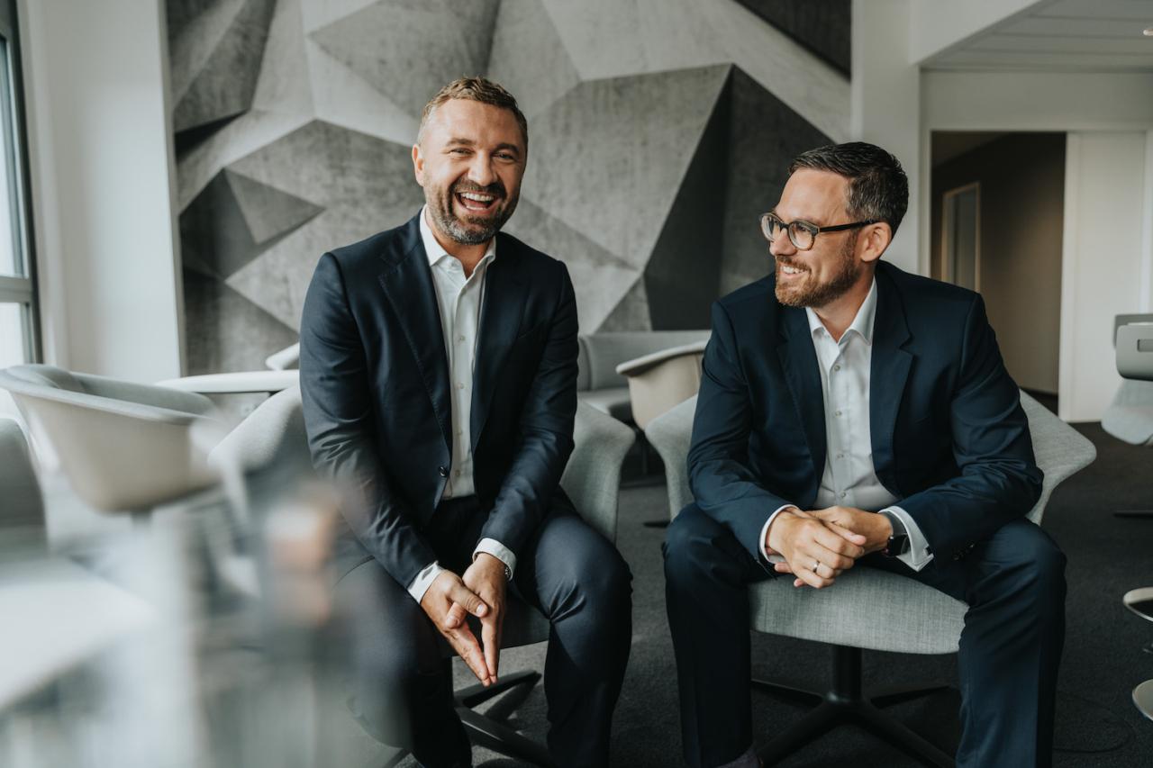 Bonnfinanz Vorstand: Links: Dirk Benz (Vorstand Vertrieb und Marketing), rechts: Stefan Mertes (Vorstand Produkte, Finanzen und IT)