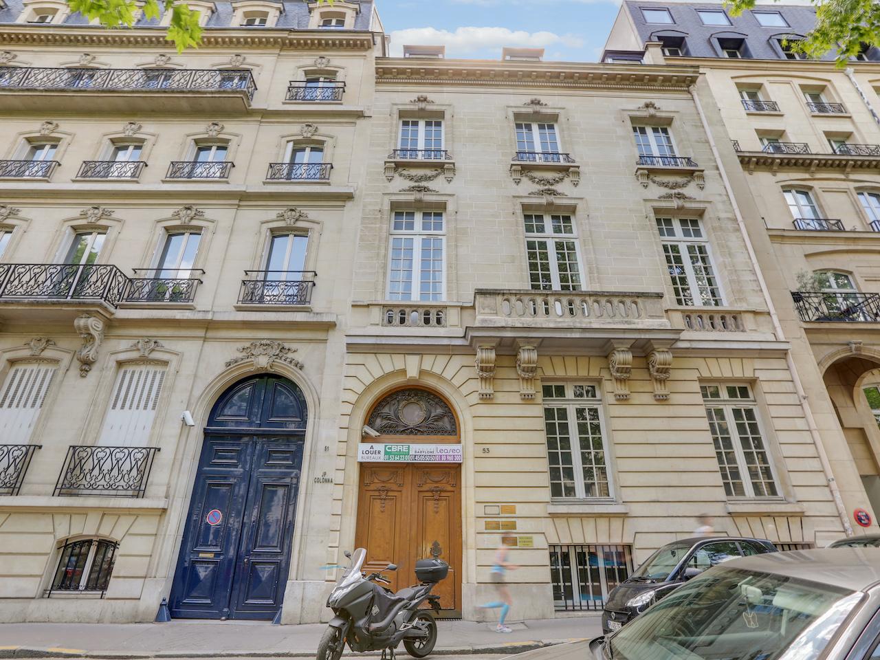 Gebäudeensemble mit historischen Fassaden