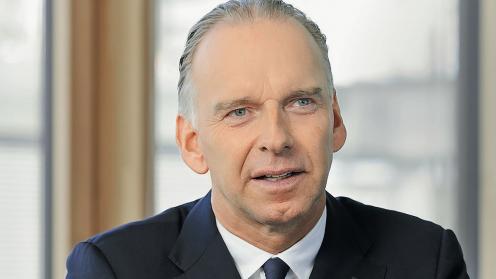 Porträtfoto des Wolfgang Hanssmann, der Vertriebsvorstands von HDI,