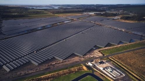Luftaufnahme von LHI-Solarpark in Dänemark