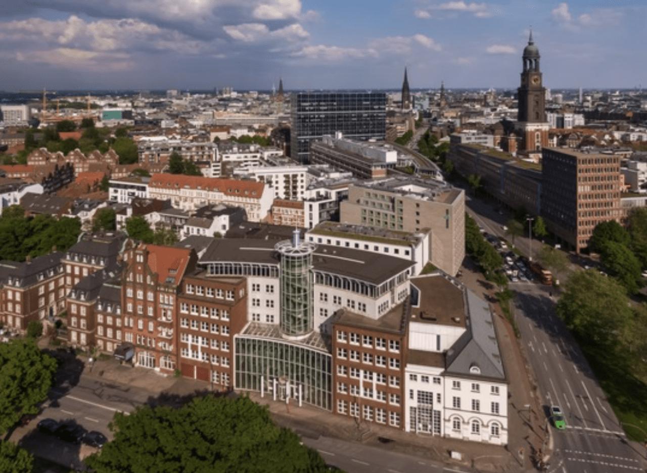 Luftbild von Hamburg mit dem Deutsche Finance Objekt