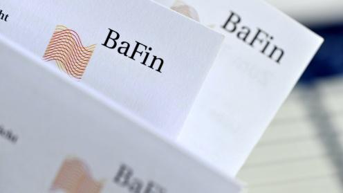 Logo der BaFin auf mehreren Briefbögen