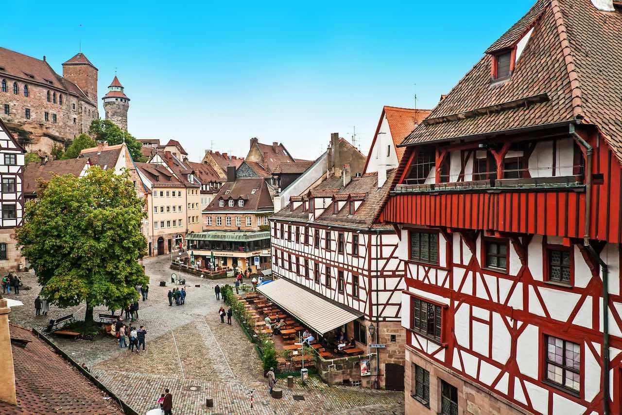 Fachwerkhäuser und Marktplatz in Nürnberg