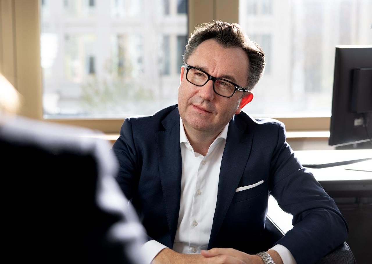 Deutsche Finance Manager Symon Hardy Godl im Gespräch