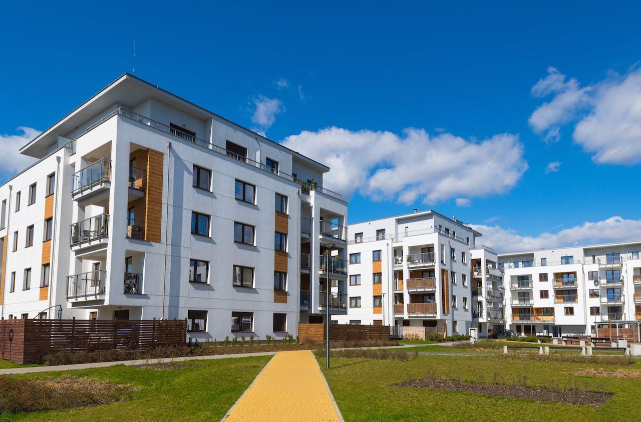 Moderne Mehrfamlienhäuser sind beliebte Wohninvestments