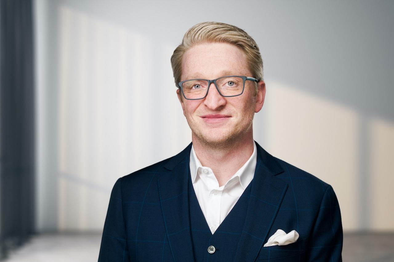 Porträtfoto von One Group Geschäftsführer Malte Thies
