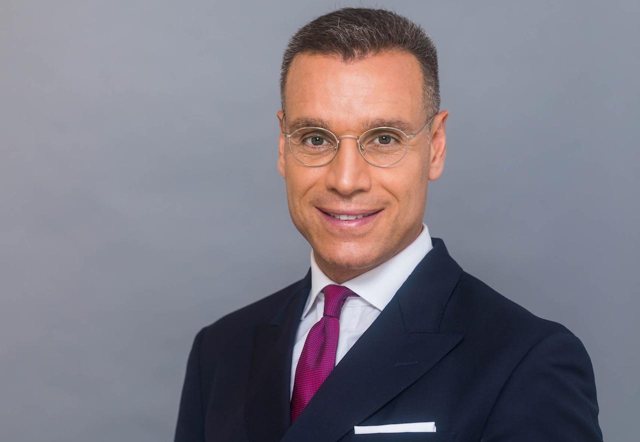 Porträtfoto des Deutsche Investment Gesellschafters Enver Büyükarslan