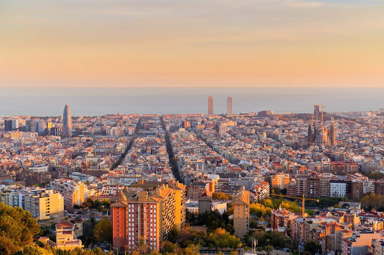 Blick über Barcelona in der Abendsonne