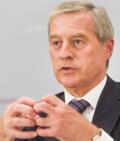 Fitschen ist neuer Präsident des Bankenverbands