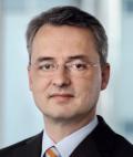 Dr. Peters gibt Vertriebsstartschuss für Portfolio-Offerte