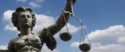 """Das Provisionsabgabeverbot ist rechtswidrig"""