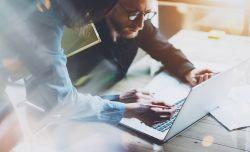 Studie: Stehen traditionelle Geschäftsmodelle der Finanzdienstleister und Versicherungsunternehmen vor dem Aus?