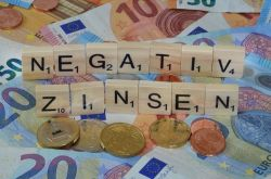 """Strafzinsen: """"Hohe rechtliche Risiken für Banken"""""""