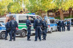 Bundesweite Polizei-Razzien bei Vermögensverwaltern