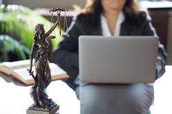 Zurich führt Anwalts-Chat ein