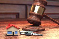 Immobilienkauf per Zwangsversteigerung: Das sollten Käufer beachten