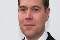 Lloyd Fonds holt Energie-Experten an Bord