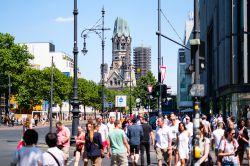 Greift Berliner Senatorin mit Retweet in den Aktiengeschäfte ein?