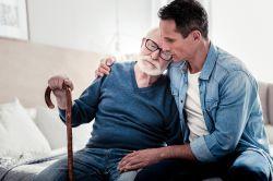 Altenpflege: Finanzierungs-Debatte heizt sich auf
