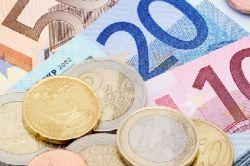 Fondsabsatz: Aktien und Renten gefragt
