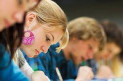 Umfrage: Studenten präferieren persönlichen Berater