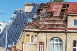 Hausbesitzerhaftpflicht: Vermieter sollten Bedarf genau prüfen