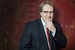Lloyd Fonds bestätigt Halbjahresgewinn und neue Pläne