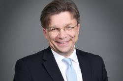 Germanbroker.net meldet erfolgreiches Kompositgeschäft