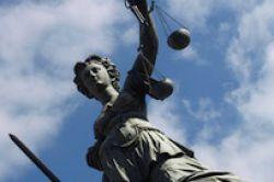 BGH erklärt Altklauseln in Versicherungsverträgen für unwirksam