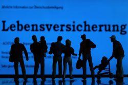 Überschussbeteiligung: Positives aus Berlin, Negatives aus Düsseldorf