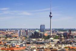 Berlins Bürgermeister: Kein Investitionsstopp wegen Mietendeckel