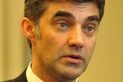 Flex Fonds befördert Achim Bauer