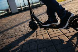 E-Scooter: Unfallchirurgen und Umweltschützer warnen