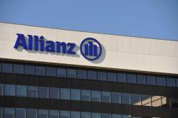 IT benötigt Update: Wieso die Allianz nun die Verträge der Kunden umstellen will