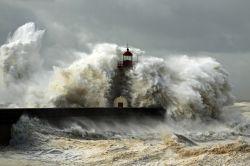 Starkregen: So sind Gebäude und Hausrat versichert