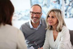 Pflege und Vollmachten: Best Ager wünschen sich Beratung