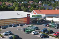 NGF bietet zehn Einzelhandelsimmobilien an