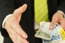 Axa: Resolution bietet 3,3 Milliarden Euro für britische Leben-Sparte
