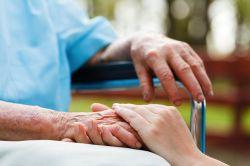 Patientenschützer verlangen Maßnahmen gegen Pflegenotstand