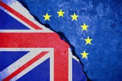 Bundesregierung warnt Banken vor hartem Brexit