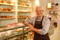 Arbeiten im Alter: Wenn die Rente (nicht) reicht
