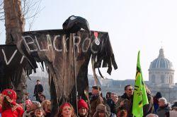 Aktivisten dringen in Pariser Blackrock-Zentrale ein