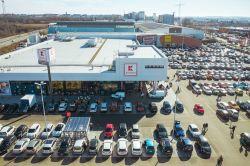 Hahn Gruppe kauft zwei Fachmarktzentren von Patrizia